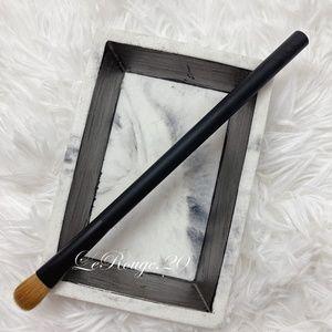 Nars 40 eyeshadow brush * sable hair